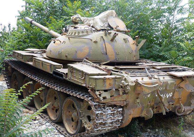 دبابة الجيش السوري في ريف حماة