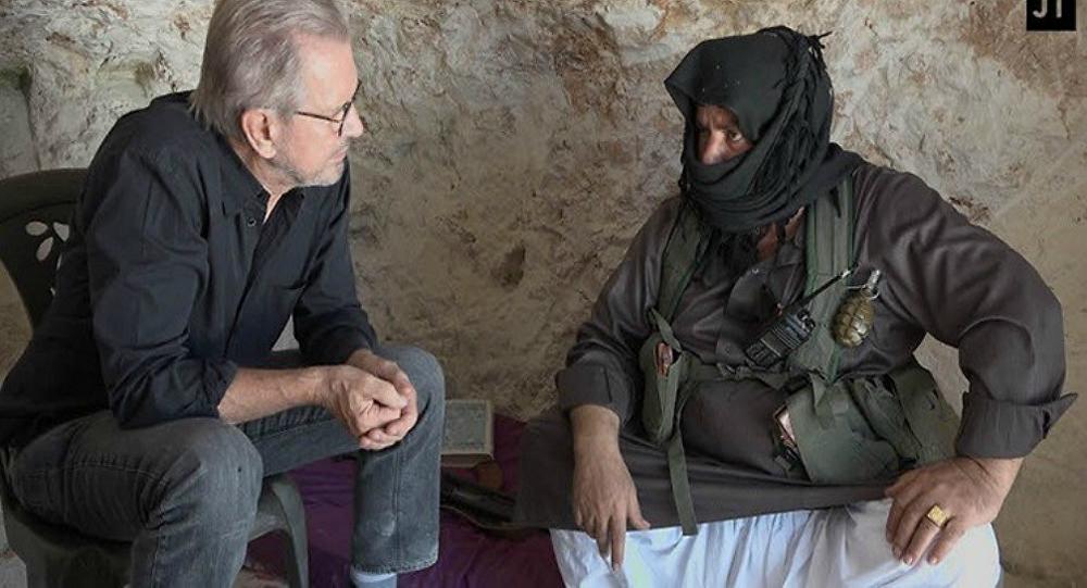 الصحفي يورغين تودنهوفر يلتقي القيادي في النصرة أبو العز