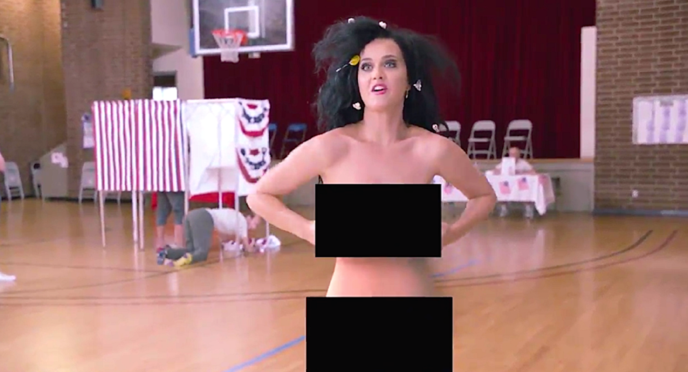 744114fa6 شاهد... أشهر المغنيات الأمريكيات بدون ملابس لدعم الانتخابات ...