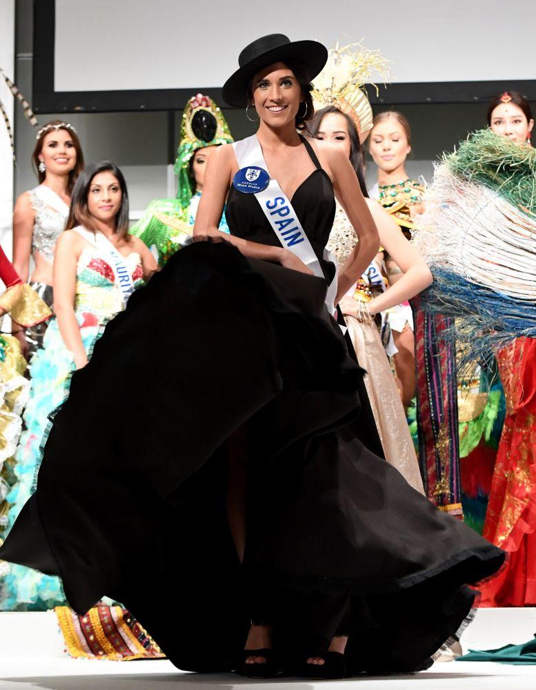 المسابقة الدولية لـ ملكة الجمال في طوكيو لعام 2016، الاسبانية أنابيل ديلغادو توريس وزيها الوطني، 11 أكتوبر/ تشرين الأول 2016