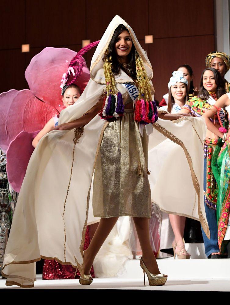 المسابقة الدولية لـ ملكة الجمال في طوكيو لعام 2016، التونيسية هبة تلمودي وزيها الوطني، 11 أكتوبر/ تشرين الأول 2016