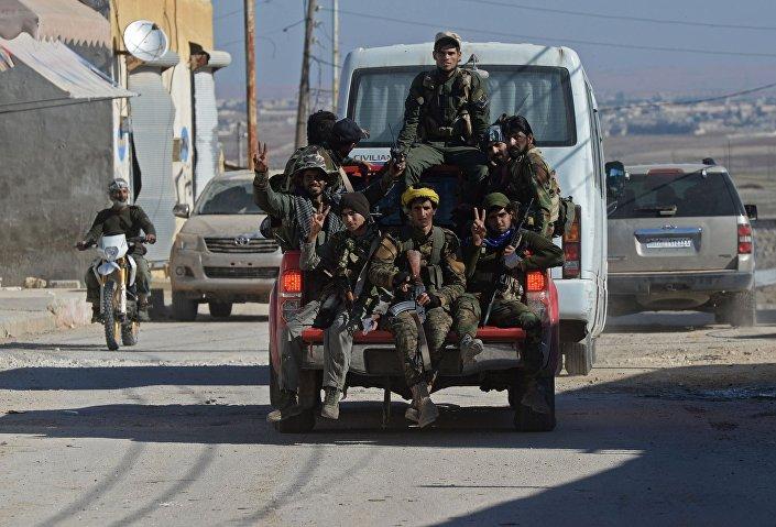 وحدة من الحماية الشعبية في حلب