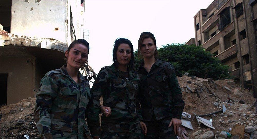 النساء السوريات على جبهات القتال