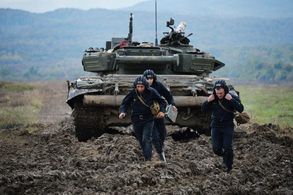 تدريبات طواقم الدبابات في الشيشان