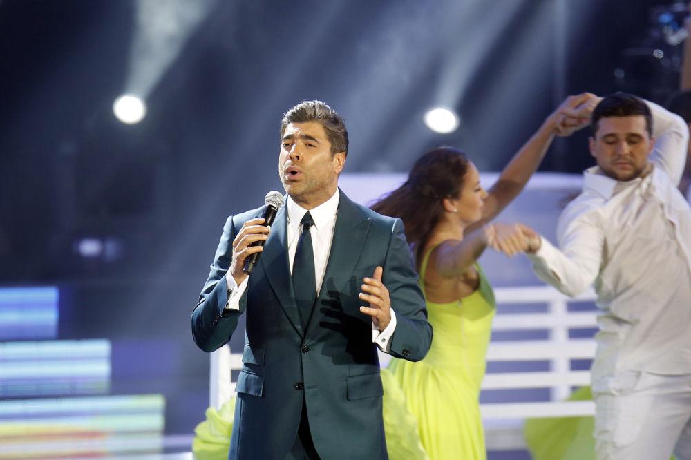 المغني اللبناني وائل كفوري خلال مسابقة ملكة جمال لبنان لعام 2016، بيروت 22 أكتوبر/ تشرين الأول 2016
