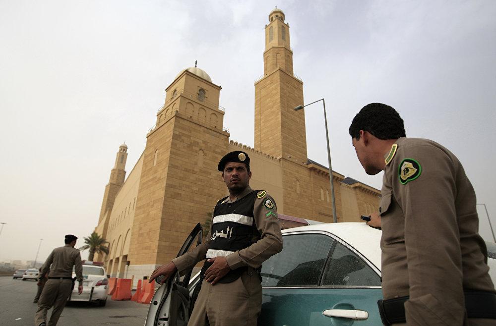 """الحكم بالسجن على سعودي لوصفه """"ولاة الأمر"""" بالمرتدين"""