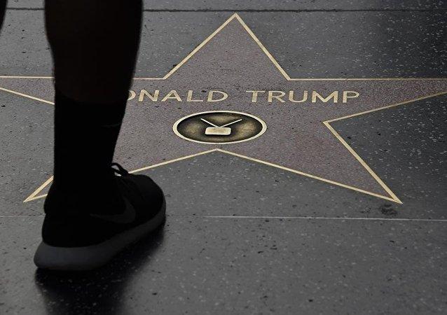 نجمة دونالد ترامب في ممشى المشاهير بهوليوود