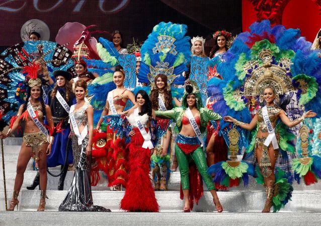 المشاركون في مسابقة الجمال السنوية ملكة الجمال الدولية - 2016 طوكيو