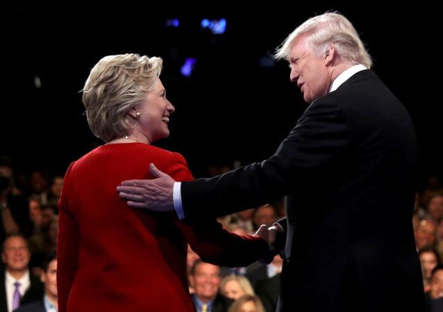 المرشحان الرئيسيان لانتخابات الرئاسة الأمريكية دونالد ترامب وهيلاري كلينتون
