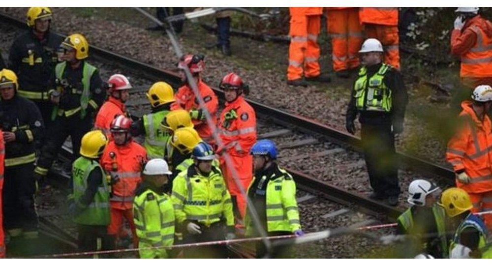 حادث قطار في لندن