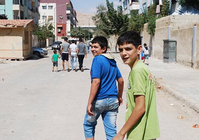 السوريون في دوما