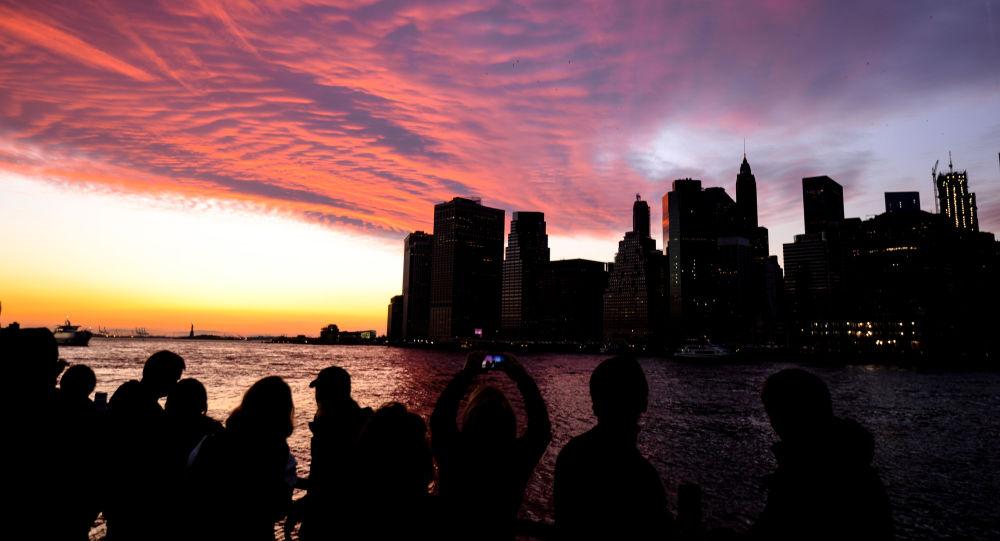 غروب الشمس في مانهاتن بنيويورك