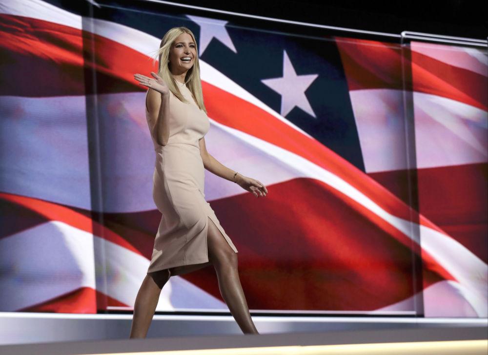 إيفانكا ترامب قبيل إلقاء كلمتها في الحملة الانتخابية الرئاسية الأمريكية، 21 يوليو/ تموز 2016