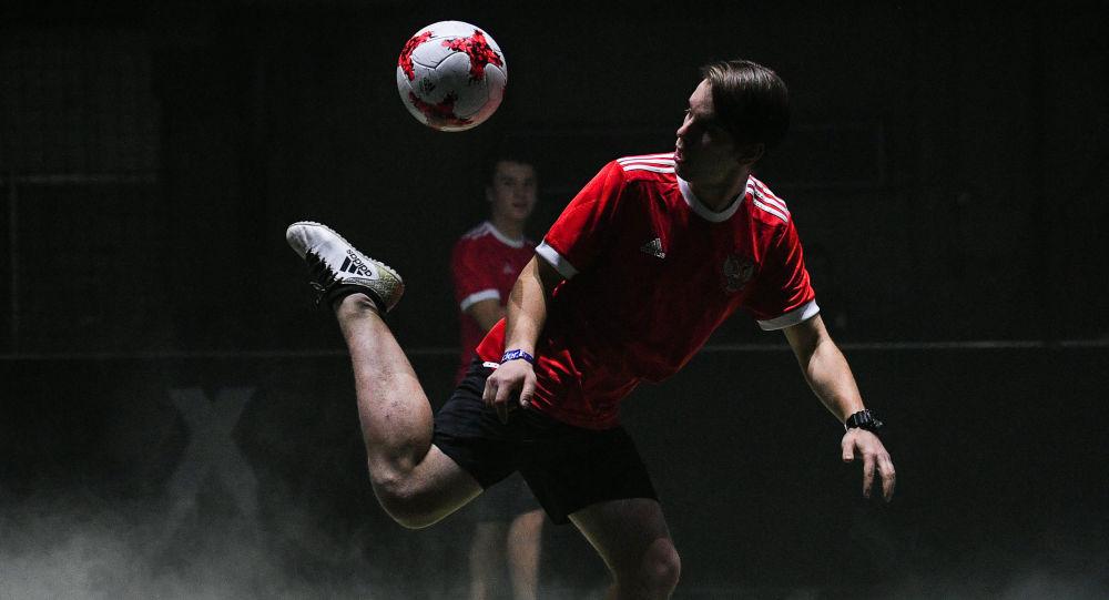 عرض الزي الجديد لفريق كرة القدم الروسي لبطولة كأس روسيا الاتحادية لعام 2017