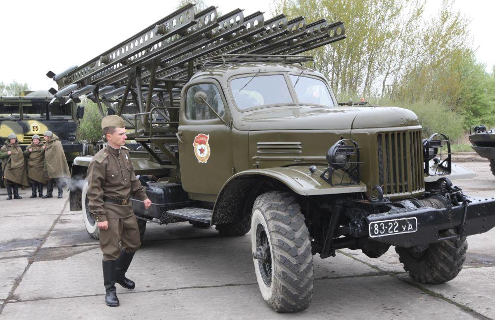 عربة صواريخ كاتيوشا الروسية المشاركة في الحرب العالمية الثانية