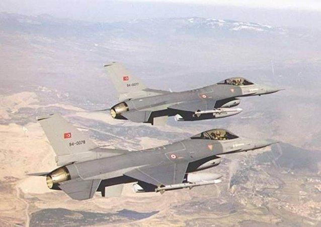 طائرات تركية