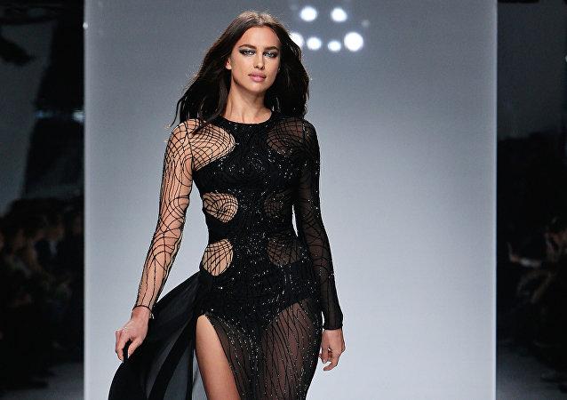 عارضة الأزياء الروسية إيرينا شايك