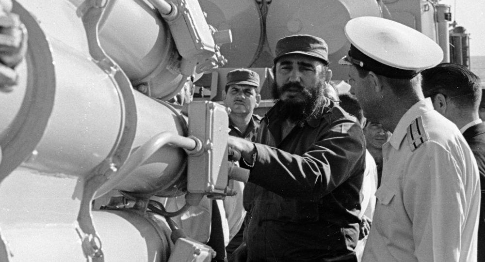 كاسترو على متن سفينة حربية روسية