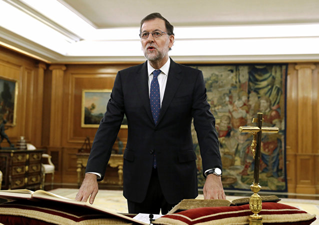 Spain's Prime Minister Mariano Rajoy takes his oath during a ceremony at Zarzuela Palace in Madrid, Spain, October 31, 2016