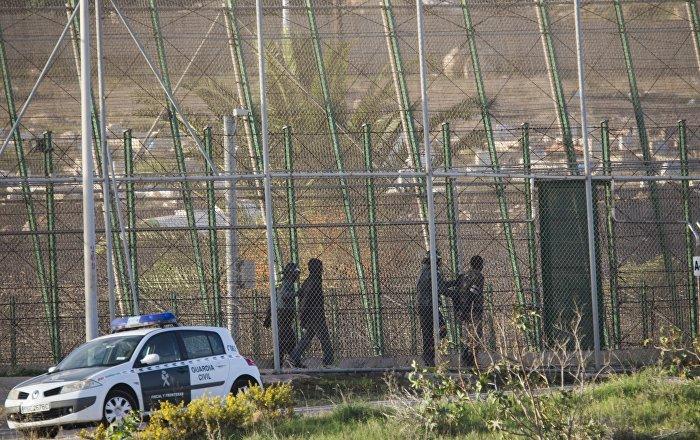 الشرطة-المغربية-تستخدم-خراطيم-المياه-لتفريق-احتجاج-لمدرسين