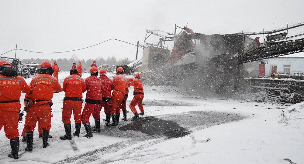 عمال الإنقاذ في الصين