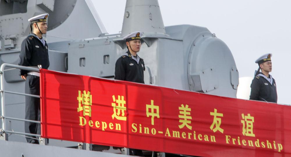 البحارة الصينيون على متن فرقاطة صينية  في سان دييغو، الولايات المتحدة 6 ديسمبر/ كانون الأول 2016