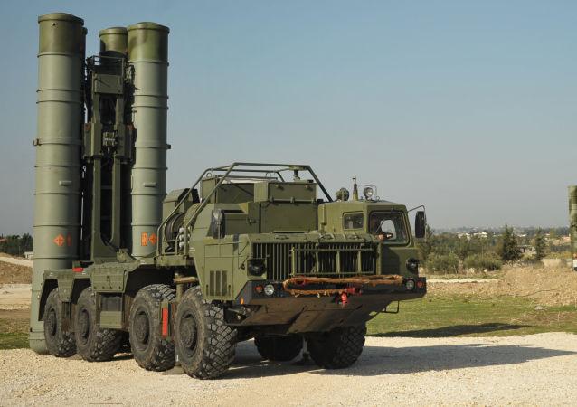 منظومة صواريخ إس-400