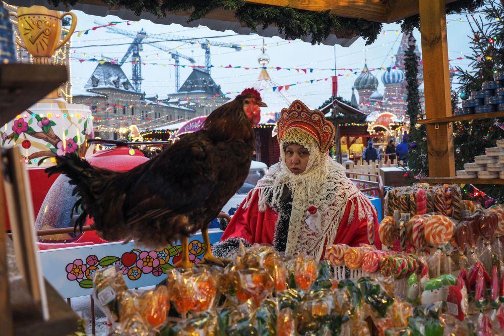 مهرجان أعياد رأس السنة على الساحة الحمراء في موسكو، روسيا 7 ديسمبر/ كانون الأول 2016