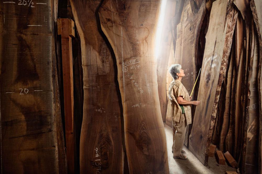 ميرا نكاشيما، تعمل في نجارة الخشب، بنسيلفانيا، الولايات المتحدة