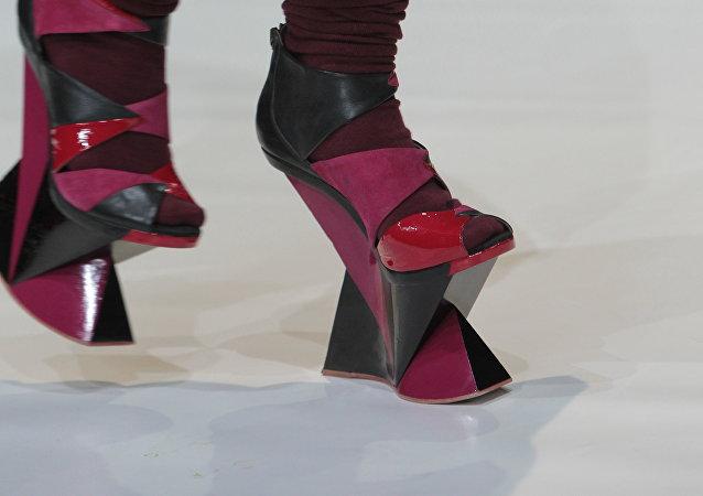 أحذية غريبة