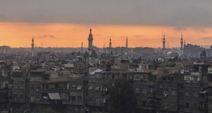 طلوع الفجر في مدينة دمشق، سوريا
