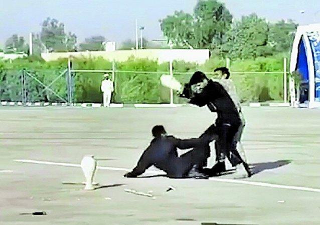 عرض عسكري إيراني يثير السخرية