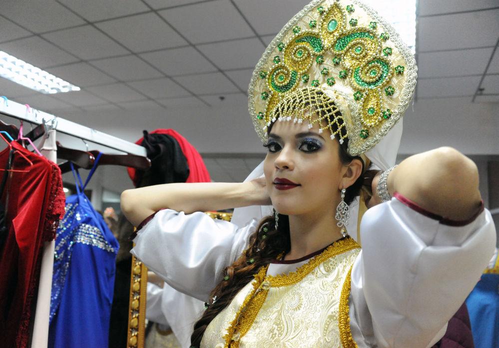 التحضيرات قبيل مسابقة ملكة الثلج الدولية في الصين