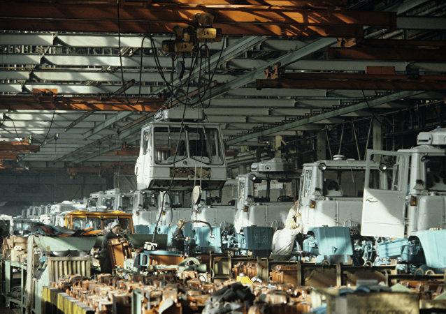 مصنع التراكتورات في مدينة خاركوف
