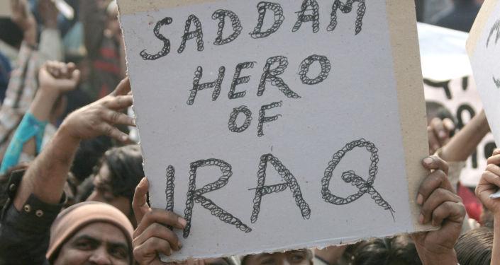 احتجاجات عارمة في شوارع مدينة نيو دلهي عقب نبأ إعدام الرئيس العراقي السابق صدام حسين، 31 ديسمبر/ كانون الأول 2006