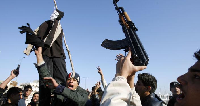 مظاهرات ومجسم يعبر عن الرئيس العراقي صدام حسين، 30 ديسمبر/ كانون الأول 2006