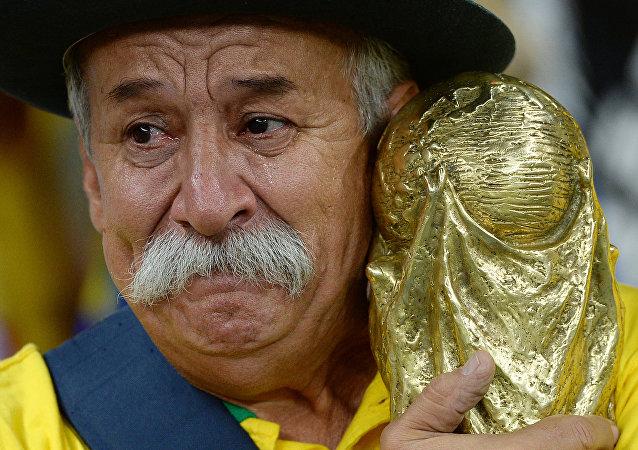 حزن البرازيلين لخسارة مونديال 2014