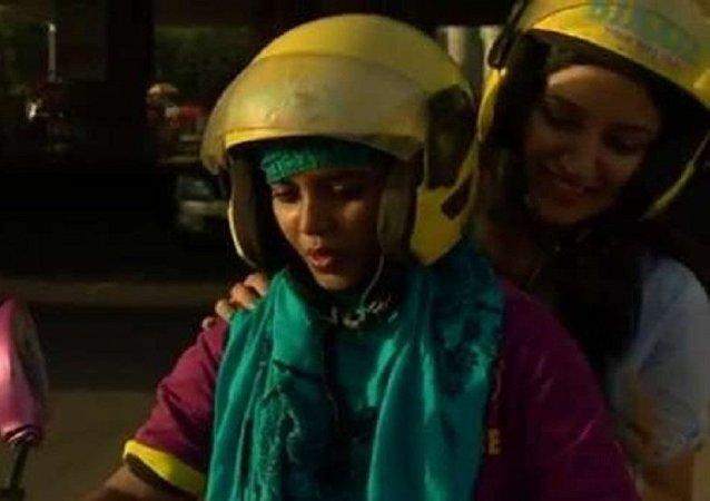 دراجات نارية أجرة تقودها نساء في الهند
