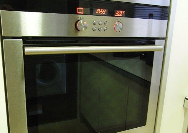 La madre inquisidora: Detenida una mujer por meter a su hija en el horno