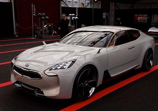 سيارة كيا GT موديل 2017