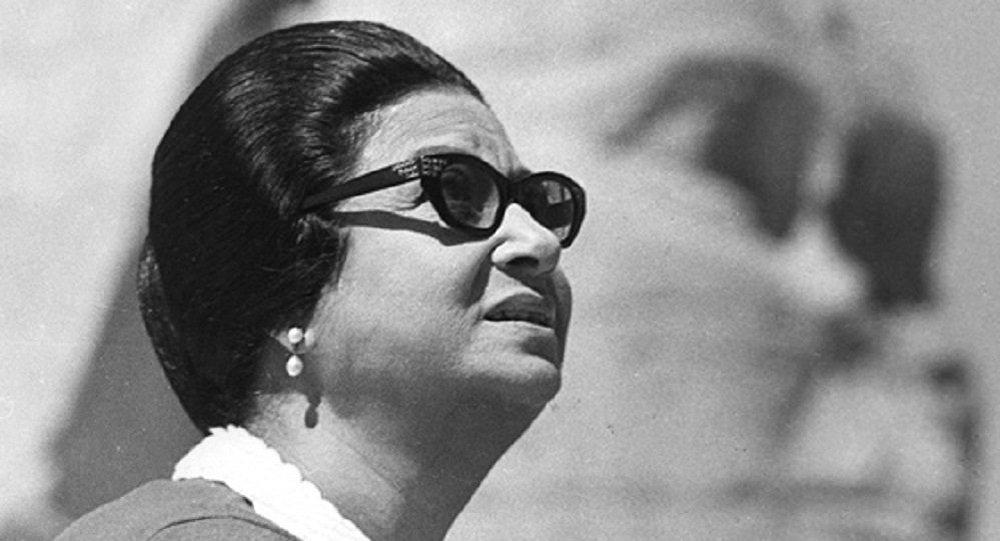 سيدة الغناء العربي أم كلثوم