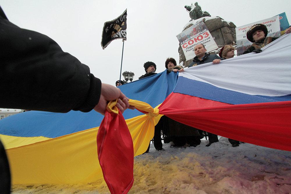 وصول وفد دونباس إلى القرم في ذكرى وضع أوكرانيا تحت رعاية موسكو
