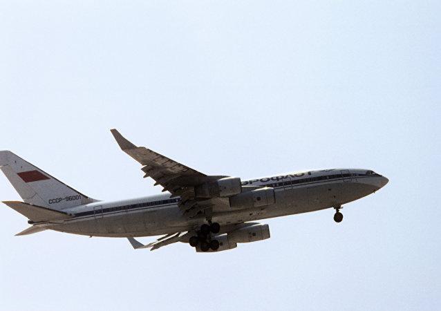 طائرة إيل-96-300