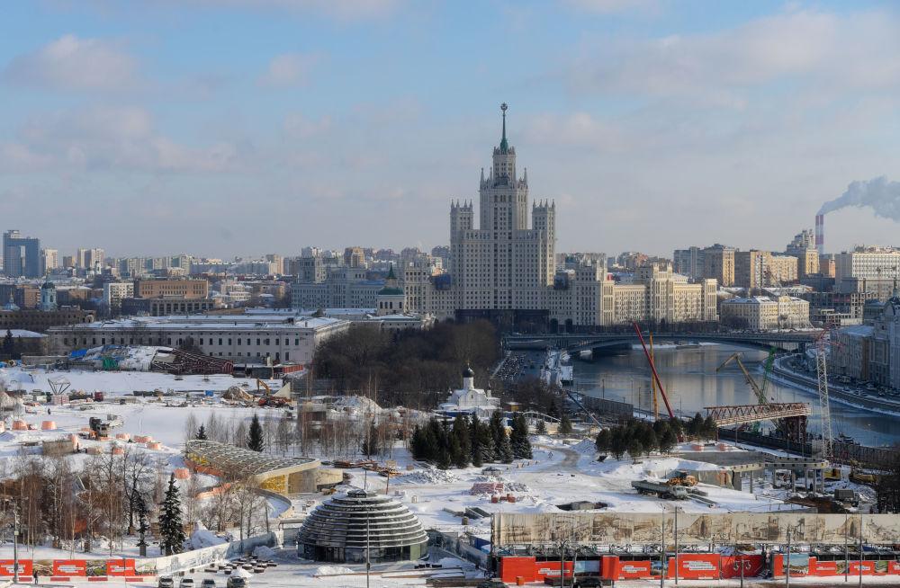 منظر على ضفاف نهر موسكو