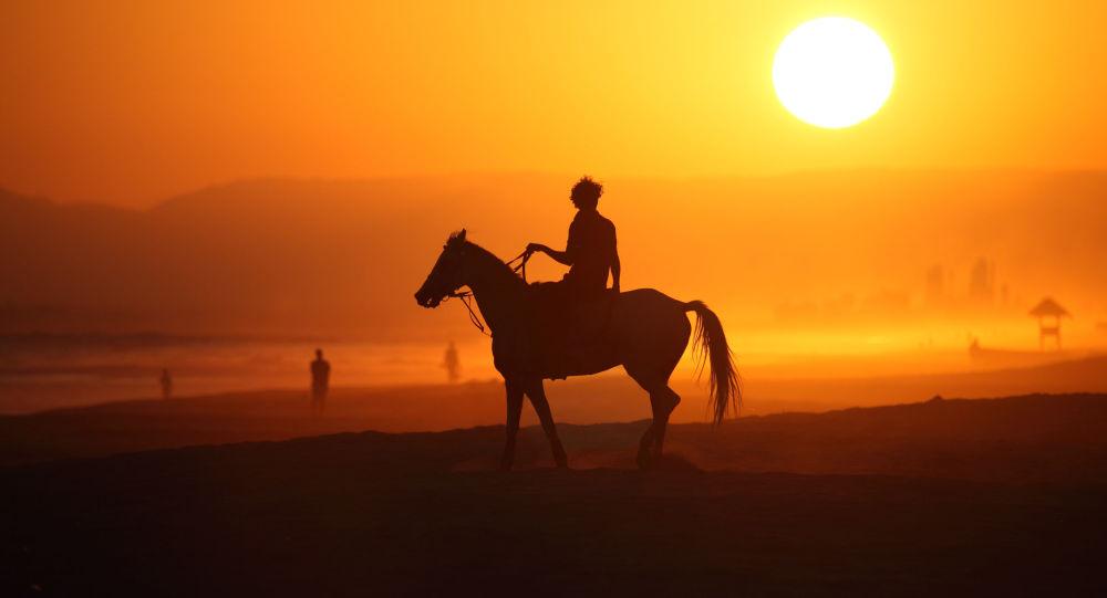 خيال الحصان، صلالة في عُمان- للمصور ستيورات دان المشارك في مسابقة National Geographic Traveller-2017