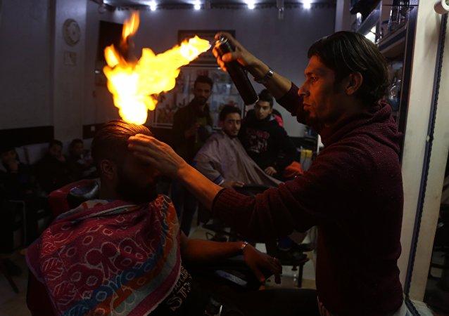 تصفيف الشعر بالنار في غزة