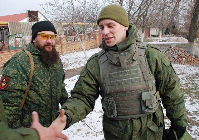 عناصر شرطة جمهورية دونيتسك الشعبية