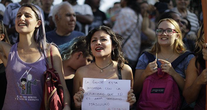 مظاهرات عارية في  العاصمة الأرجنتينية