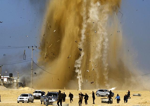 قصف إسرائيلي لموقع شرطة البحرية الفلسطينية في شمال قطاع غزة، فلسطين، 6 فبراير/ شباط 2017