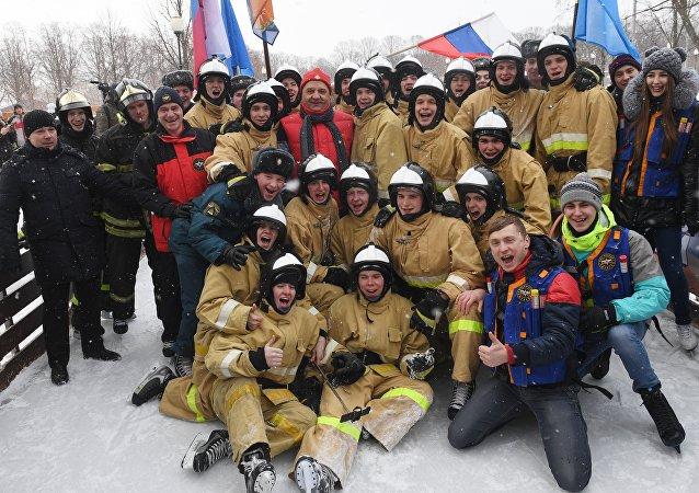 رجال الإطفاء الروس